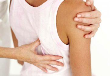 Обследование позвоночника у врача ортопеда