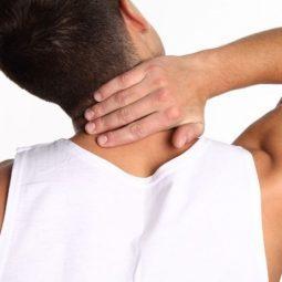 Расслабляющий массаж при боли в шее
